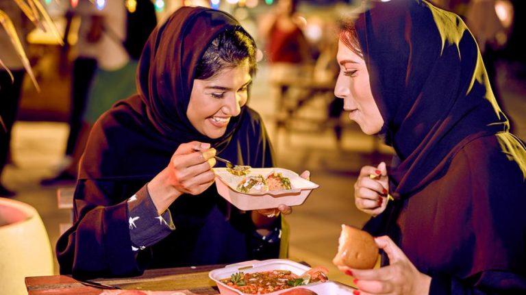 The Best Street Food in Dubai | Futuretripexperience