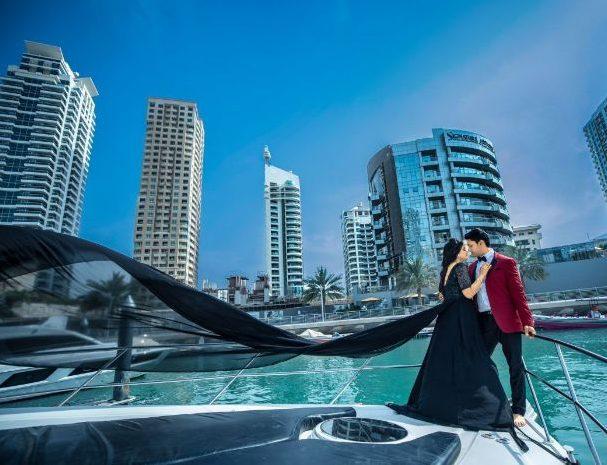 Love on the beach in Dubai