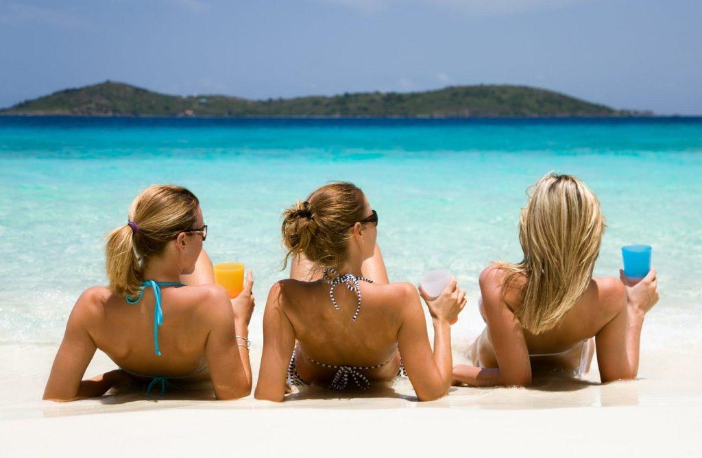 Girls Are Enjoying Best Time At mamzar beach park